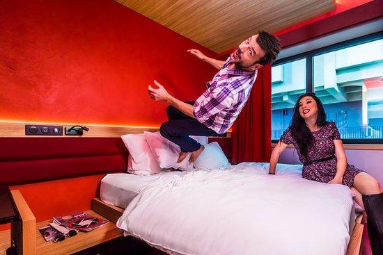 yooma urban lodge parijs frankrijk foto 39 s reviews en. Black Bedroom Furniture Sets. Home Design Ideas