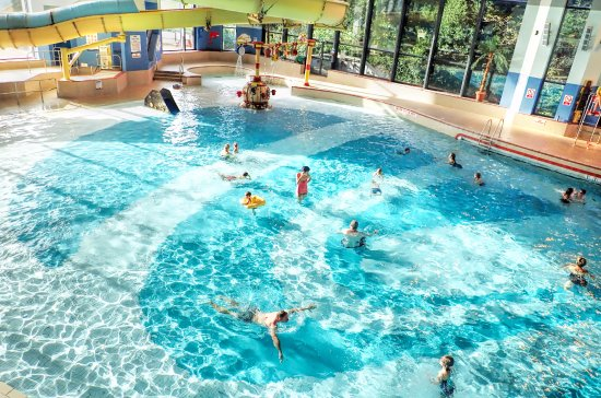 Waves Leisure Pool With Flume And Wave Machine Picture Of Riviera International Centre