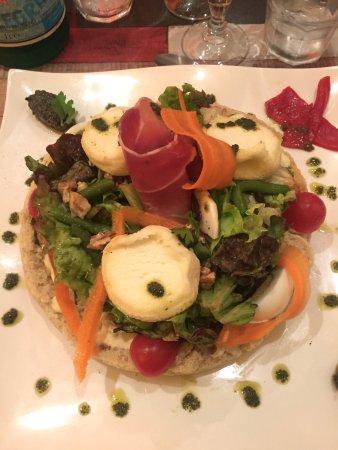 Draguignan, France : Salade de chevre chaud