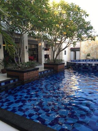 Quin Colombo Hotel Yogyakarta Photo