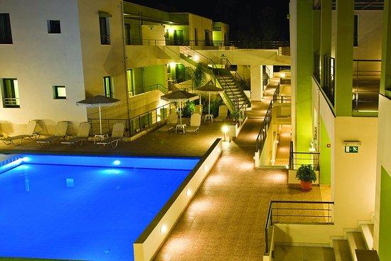 아테네 비치 호텔