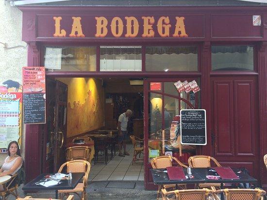 Auch, Frankreich: Front of La Bodega, in the petit chemin
