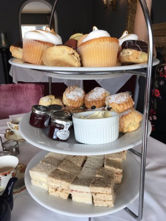 Shepton Mallet, UK: Afternoon tea for 5