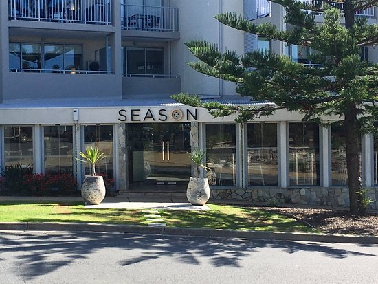 Kingscliff, Австралия: This is the outside front entrance of Season Restaurant