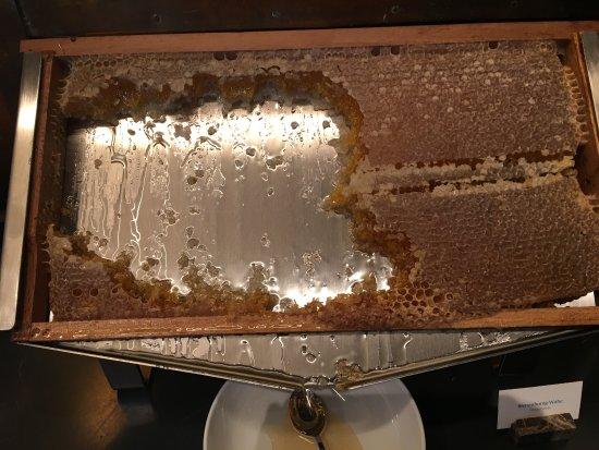 Storchen Zurich: Fresh Honey Comb