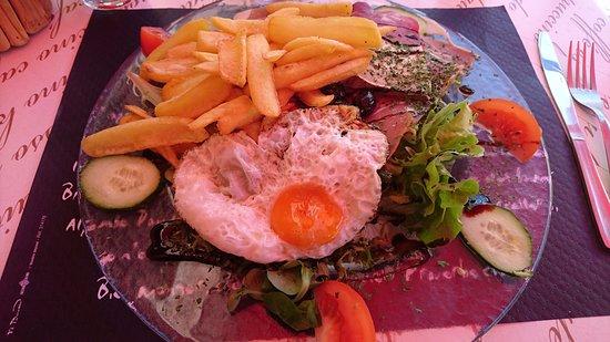 La Salle-les-Alpes, Frankrig: Salade Rando hyper complète. excellente