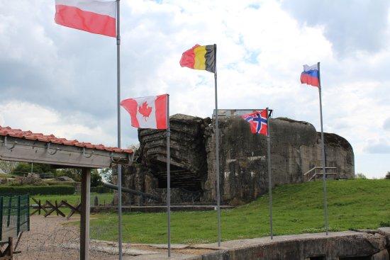 Saint-Marcouf, France: devant l'entrée du site