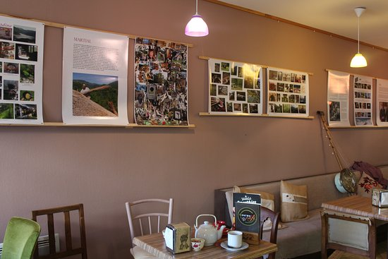Massat, Γαλλία: salon couleur café