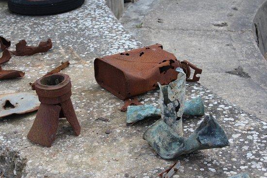 Saint-Marcouf, France: Objets retrouvés lors de fouilles