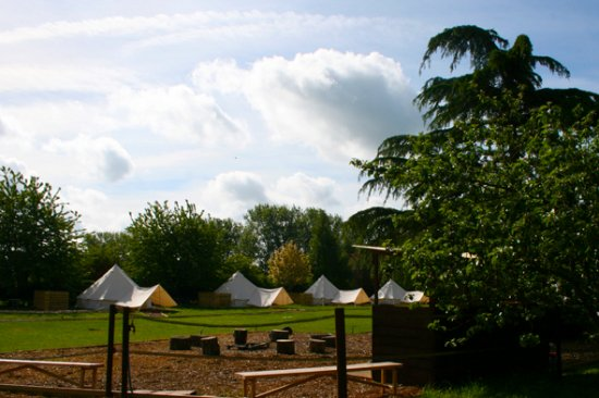 Brome, UK: Suffolk glamping, Suffolk Glamping with fire pit, hot tub and sauna.
