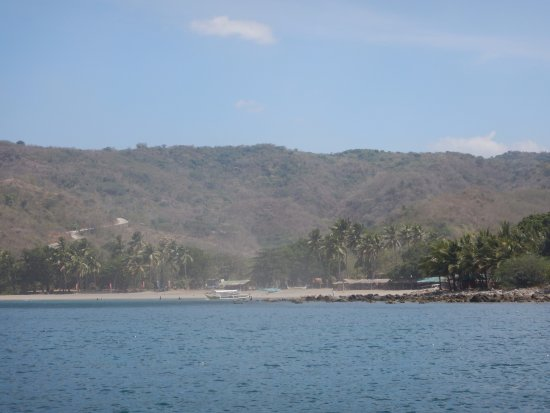 Nasugbu, Filippinene: the spot there on the right side of the photo are where the overnight rental cottages are at