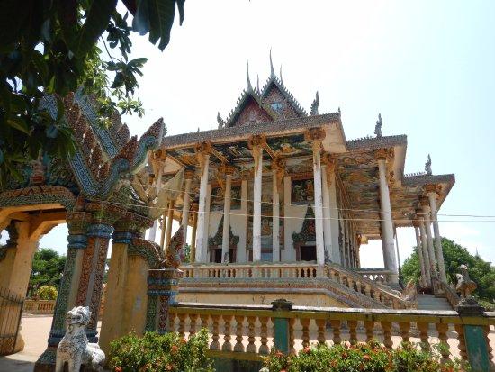 Battambang, Cambodia: New Temple on the grounds