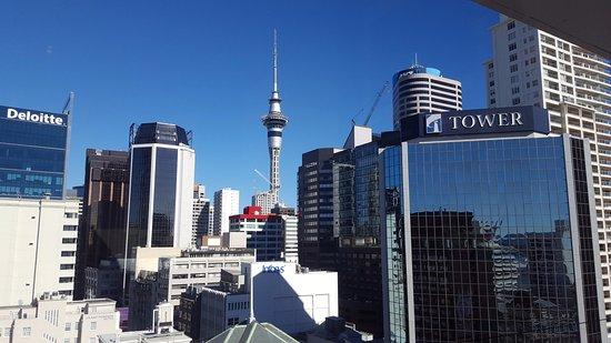 Mercure Auckland: View from bar & restaurant - city skyline.