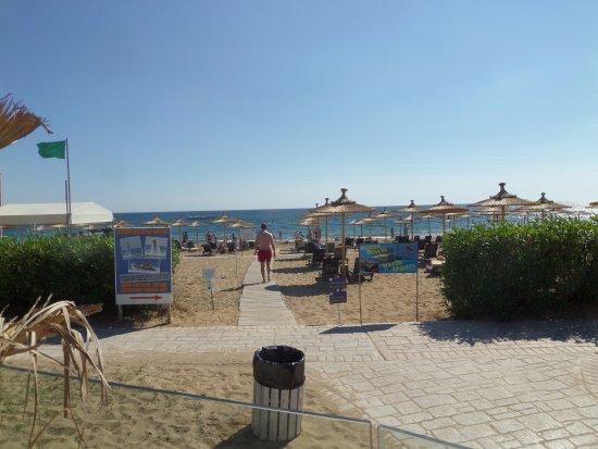 Sandy Beach Resort: View from beach bar in resort