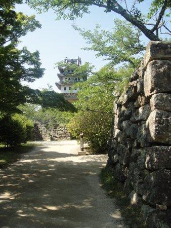 Sumoto, Japonia: あちこちに残る石垣と天守閣