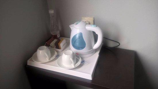Gino Feruci Kebonjati Bandung: Pemanas air untuk kopi dan teh