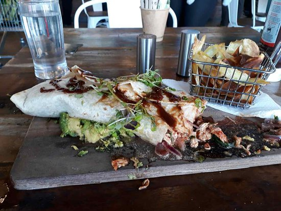Papamoa, นิวซีแลนด์: Stale chicken wrap