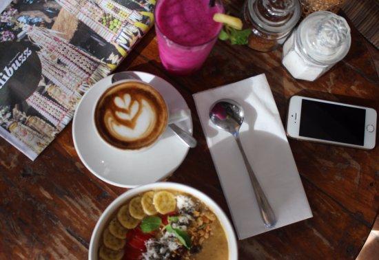 Bumbak Coffee: Morning retreat