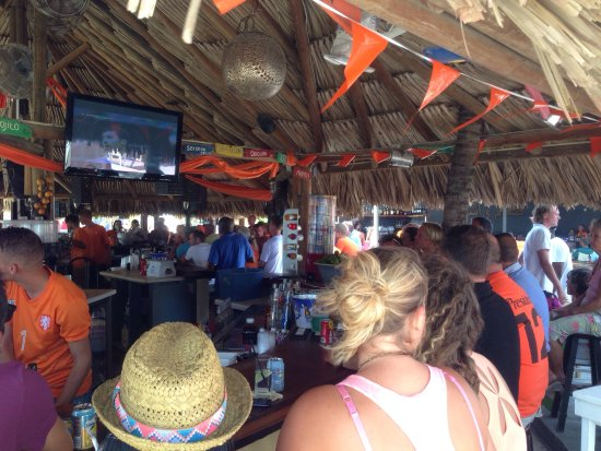 Lions Dive & Beach Resort Curacao: Good party