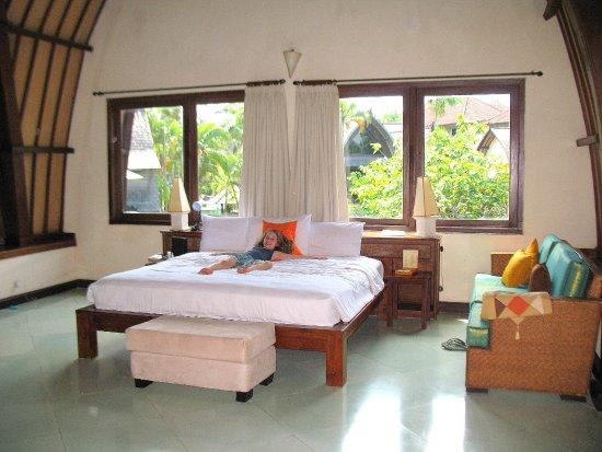 Hotel Vila Lumbung: Main bedroom