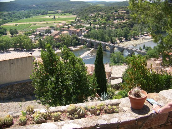 Roquebrun, Francia: River Orb and village