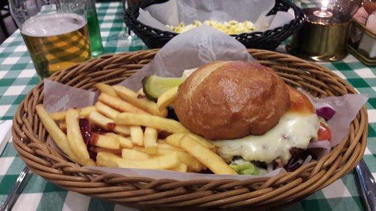 O'Learys - Goteborg Central: Bobby Orr Burger