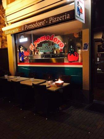 Voorburg, Pays-Bas : Entree Il Pomodoro