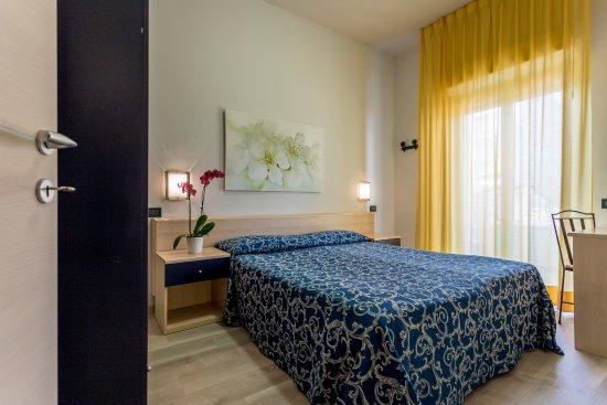 Camere Comunicanti - Picture of Hotel Riviera, Milano Marittima ...