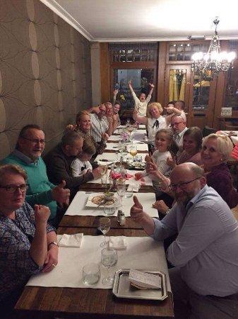 Halle, Belgia: Voor al u feestjes groot en klein  @ 'tGroot Cafe 👍