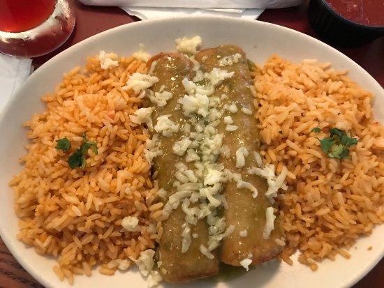 Killeen, TX: Chicken & beef Enchiladas with verde sauce