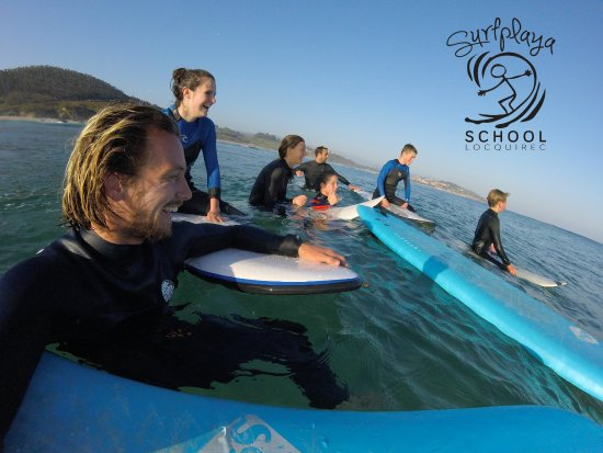 ‪Surfplaya Surf School‬