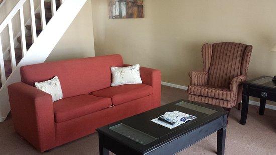 Halyards Hotel: Premier Room Lounge