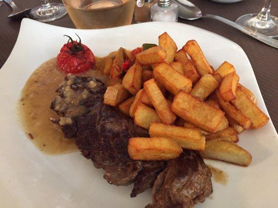 Blaye, Fransa: Une bonne bavette et ses délicieuses frite