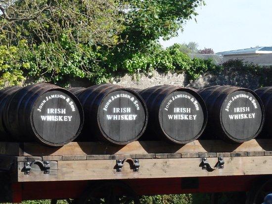 Midleton, Ireland: Tonneaux à l'ancienne