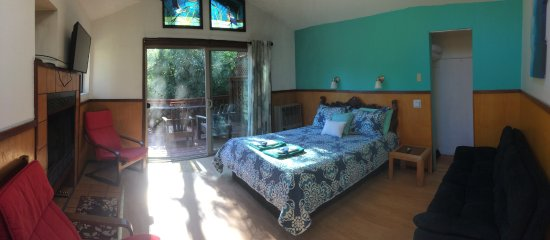 Guerneville, CA: Cabin 4 - Sleeps 7, Two Great Decks With River View