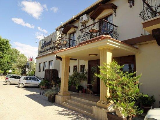 Almond Holiday Village: Hotel enterance