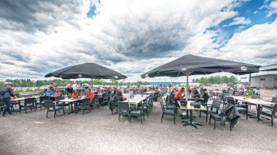 Lahti, فنلندا: 120 paikkanen terassi, Vesijärvi näköalalla