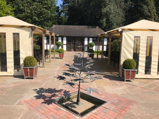 Stone, UK: Wedding Area with water feature tree in foreground