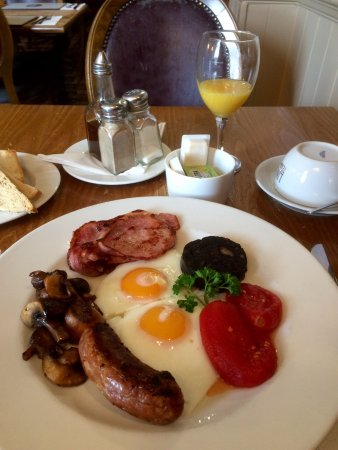 Bamford, UK: best breakfast in ages: best ever black pudding, beans missing because I don't like them!