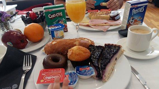 Onix Rambla Hotel: Petit-déjeuner