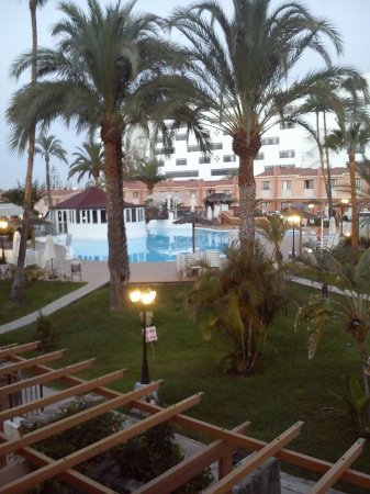 Picture of jardin del sol apartments playa for Bungalows jardin del sol playa del ingles