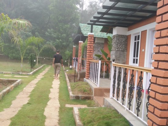 Recluse Resort