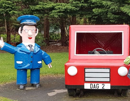 The Den & The Glen: Postman pat (Jess is also on the side)