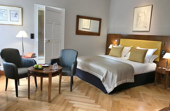 Relais & Chateaux - Hostellerie de Levernois: Chambre Luxe à l'Hostellerie de Levernois