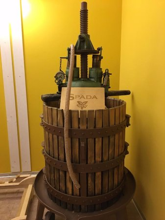 San Pietro in Cariano, Italia: Old fashioned barrel