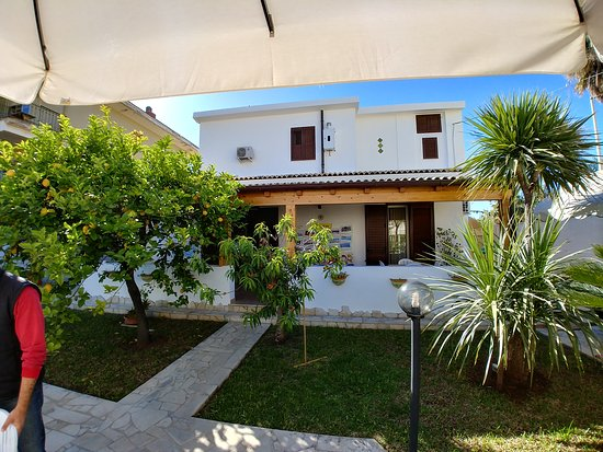 Villa Urso: 20170521_084424_HDR_large.jpg