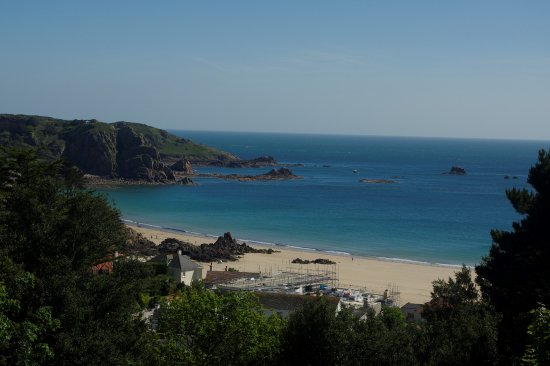 Windmills Hotel : St Brelade's and Ouaisne Bay