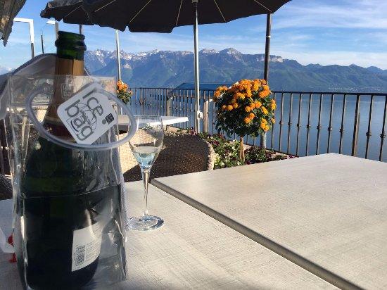 Grandvaux, Szwajcaria: Terraza exterior