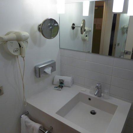 Salle de bain, douche, WC - Bild von Mercure Strasbourg ...