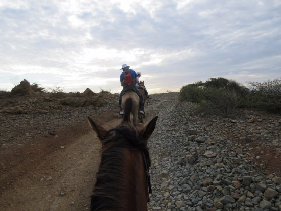 Santa Cruz, อารูบา: Riding into the sunset, literally